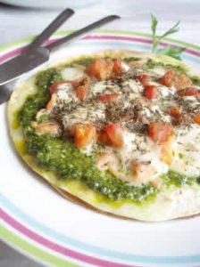 pizza au pesto epinards et au saumon fume