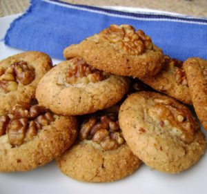 biscuits avec la farine de sarrasin et aux noix