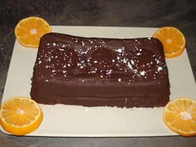 Gâteau à l'orange nappé chocolat