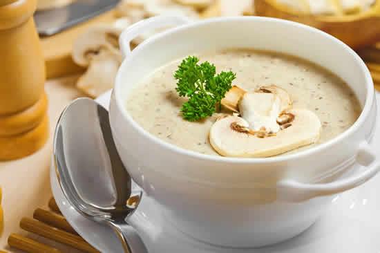 soupe de champignons recette facile pour votre entr e ou d ner. Black Bedroom Furniture Sets. Home Design Ideas