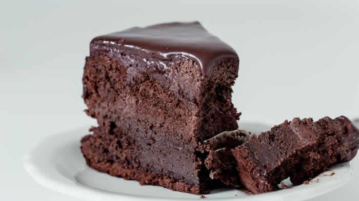 Fudge Custard Sponge Cake Recipe