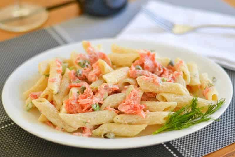 pates saumon cookeo - un délicieux plat pour votre dîner ce soir.