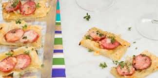 Tartelette d'oignon et saucisse caramélisée