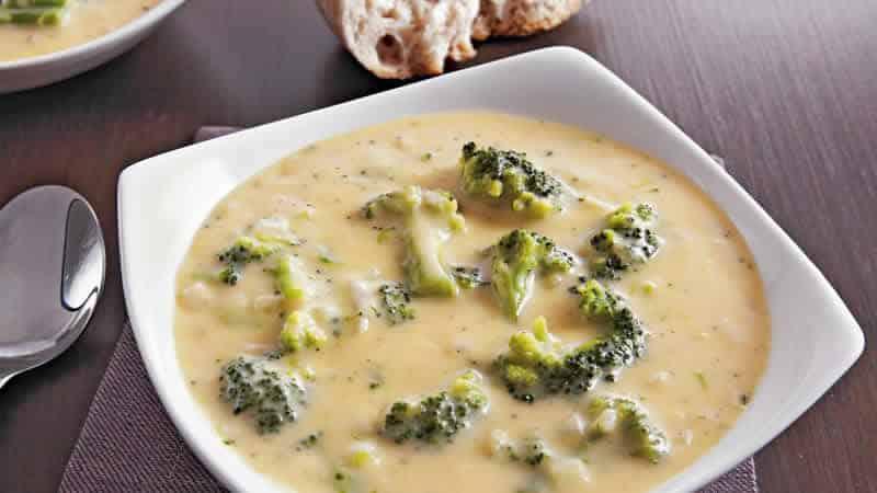 veloute de carottes brocolis cookeo - soupe à base de légumes.