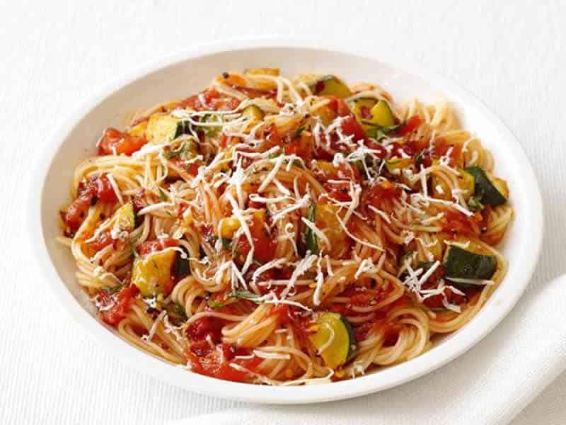 pates aux tomates courgettes cookeo -pour un dîner en famille.