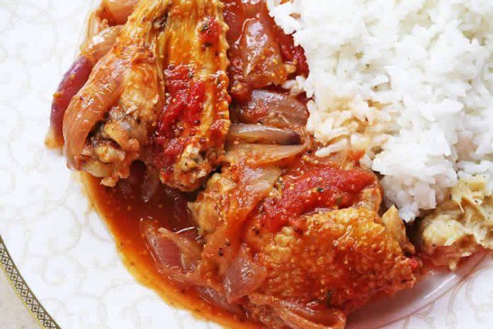 Poulet au tomates oignons et curry