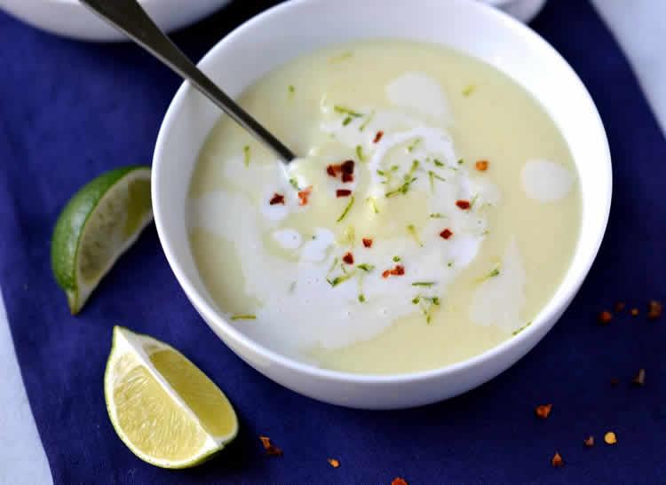 Soupe froide de noix de coco au thermomix recette thermomix - Soupe de brocolis thermomix ...