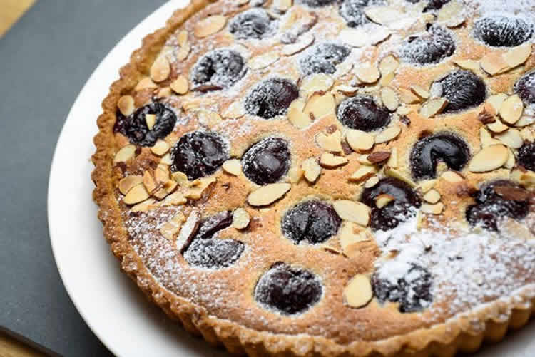 tarte aux pruneaux et amandes au thermomix recette thermomix. Black Bedroom Furniture Sets. Home Design Ideas