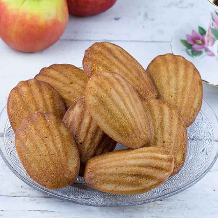 comment faire madeleines au thermomix tm5 recette thermomix. Black Bedroom Furniture Sets. Home Design Ideas