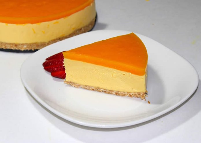 Cheesecake orange au coulis de mangue avec thermomix