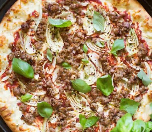Pizza margherita au fenouil et saucisses