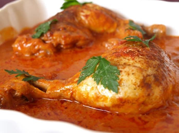 Cuisses de poulet et sauce tomate au cookeo