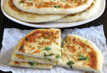 Naan au fromage et ail au thermomix