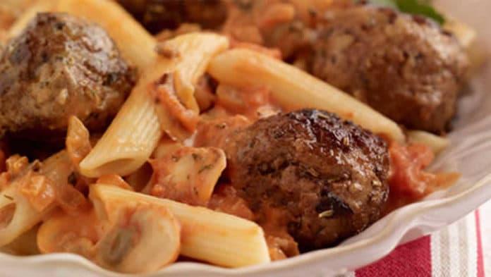 Pennes aux boulettes de veau et tomates au cookeo
