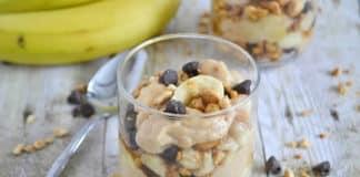 Petit déjeuner parfait au beurre de cacahuète et banane