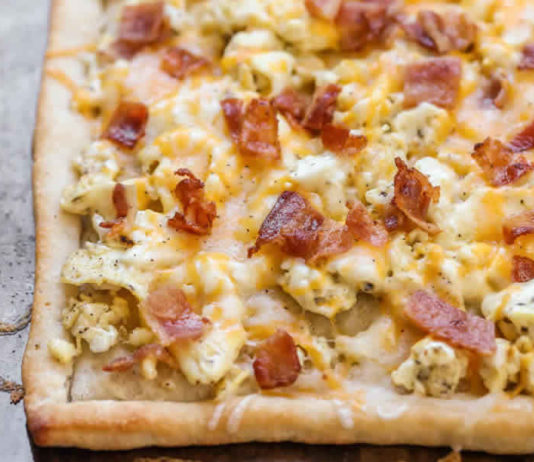 Pizza au bacon et fromage