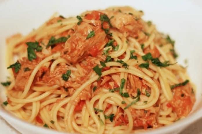 Recette pâtes avec sauce tomate et thon ww