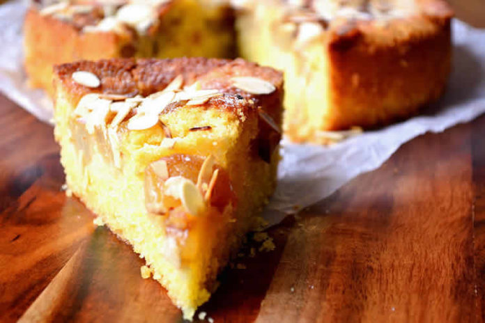Cake moelleux aux poires et amandes au thermomix