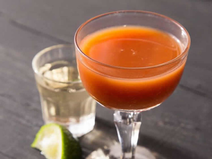 Cocktail au jus de tomate et vodka au thermomix