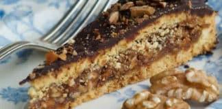 Gâteau au chocolat fourré aux noix