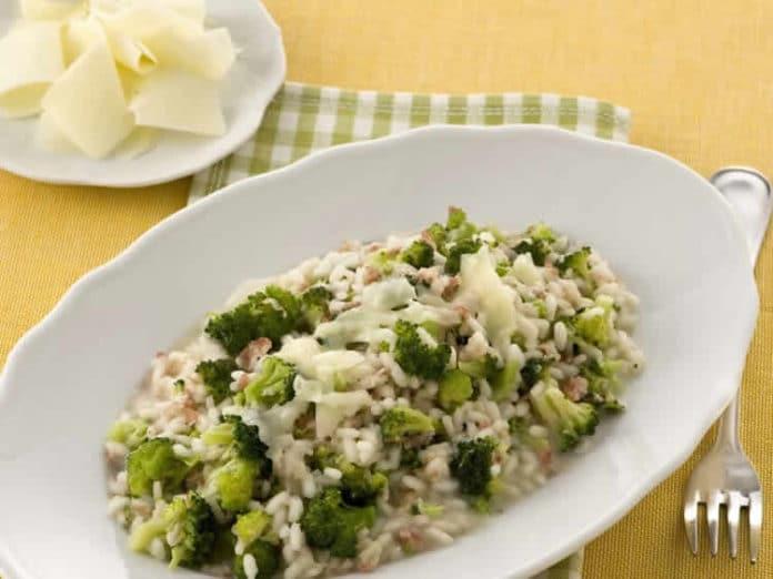 brocoli au risotto et vin blanc au thermomix votre diner avec thermomix. Black Bedroom Furniture Sets. Home Design Ideas