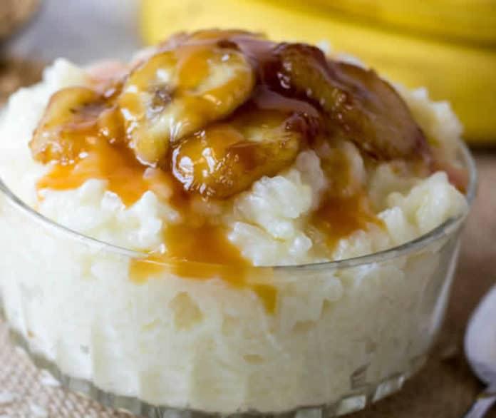 Riz au lait et bananes caramélisées