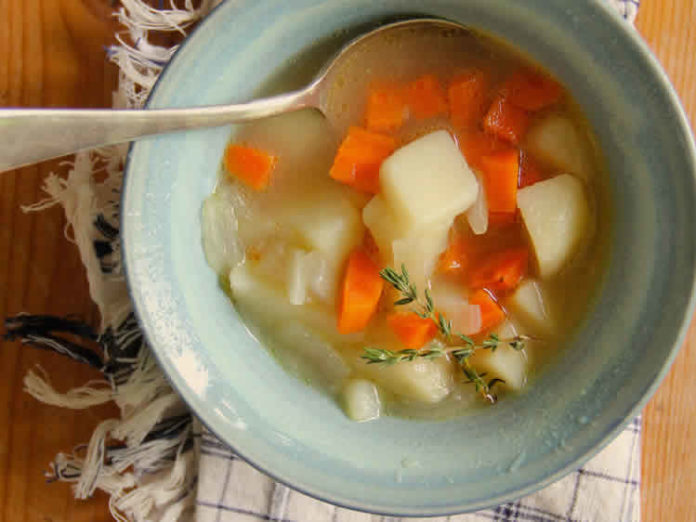 Soupe de pommes de terre et carottes au cookeo