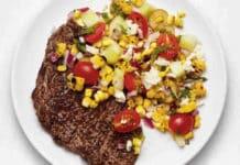 Steak grillé et salade de maïs