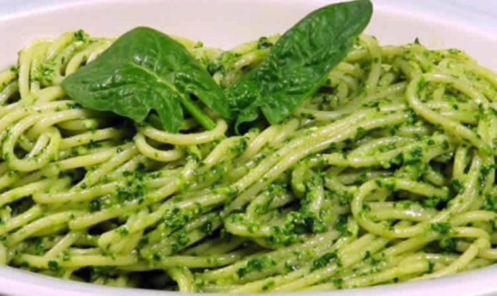 Spaghetti au pesto d'épinards au thermomix