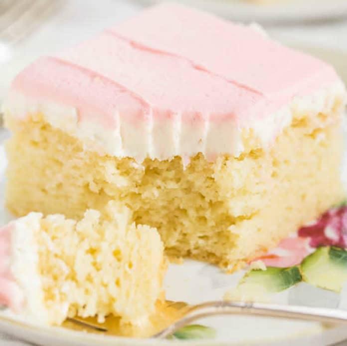 Gâteau à la vanille au glaçage de beurre