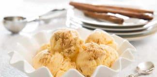 Glace à la vanille et la crème fraîche
