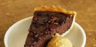 Tarte au chocolat noir et glace