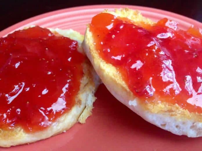 Confiture d'abricots et fraises au thermomix