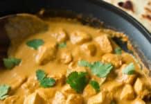 Poulet au curry et crème fraîche