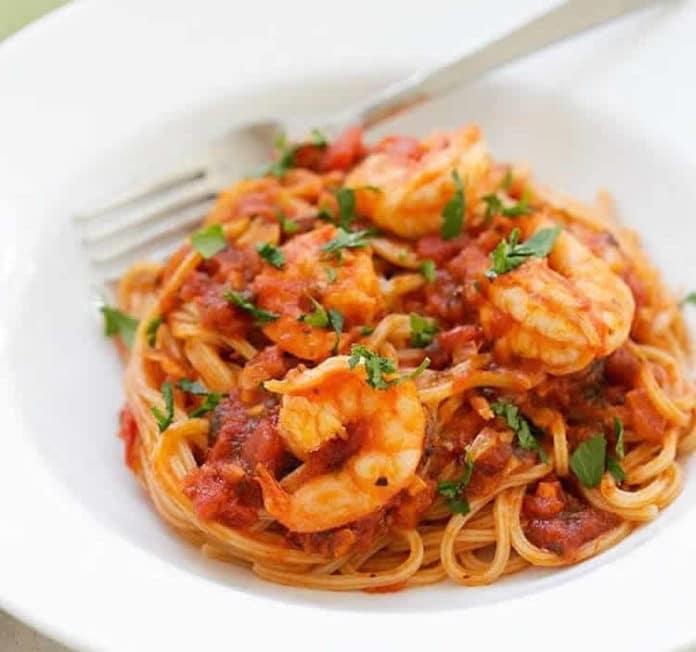Spaghetti aux crevettes sauce tomate au thermomix