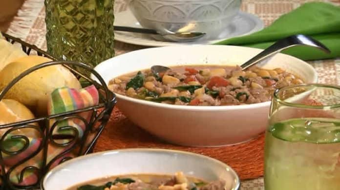 Potage aux haricots blancs et saucisse