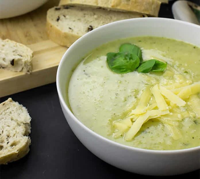 Soupe de chou-fleurs et brocolis au cookeo