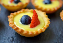 Tartelettes au citron et fruits rouges