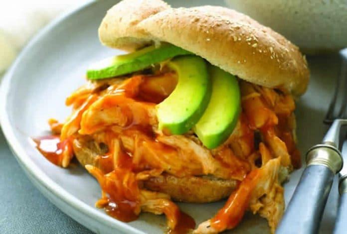 Sandwich poulet avocat