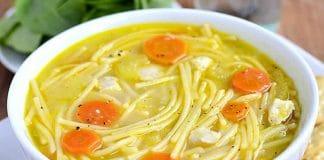 Soupe de poulet aux pâtes