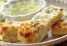Apéro au fromage et au romarin