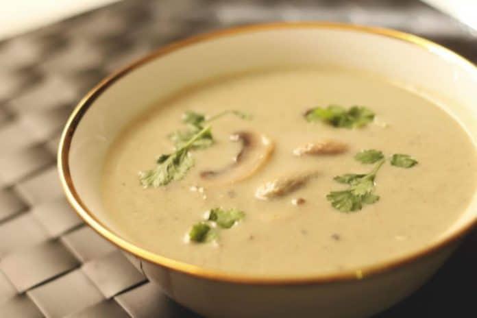 Soupe champignons de paris au thermomix