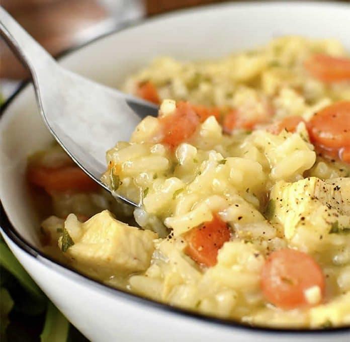 Plat de riz au poulet et carottes