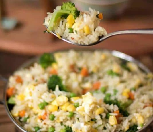 Riz aux légumes et oeufs