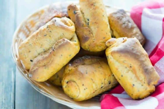 Petits pains aux poivrons au thermomix