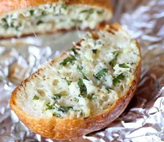Sandwich ail parmesan et persil