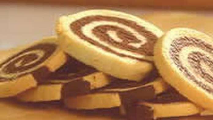 Biscuit roulé au cacao et à la vanille