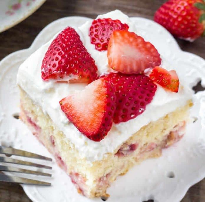 Gâteau aux fraises à la crème
