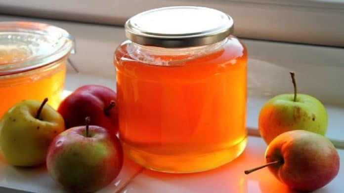 Gelée de pommes de grand-mère