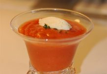 Soupe de tomate froide